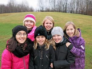 Lyckad kamp för Myran. Från vänster: Ani Soghomonian, Emma Karlsson, Leia Bolognini-Eklund, Malin Norling, Wera Wetter och Tova Mörk.