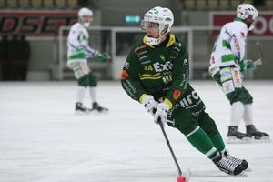 Bra med bollen och på att sätta andra i spel är några av Filip Skoglunds egenskaper. Men är han verkligen en storskytt?