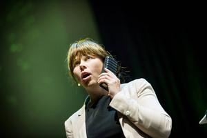 Åsa Romson (MP) är landets just nu mest jagade politiker.