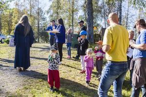 Många ortsbor ville vara med och fira Los gruva.