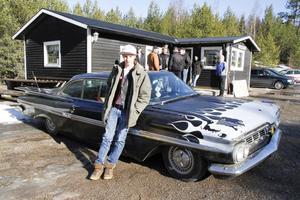 Joakim Jörgensen följde med i rallyts äldsta bil, en Chevrolet -59.