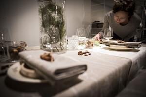 Mönstret Vinterblomster är nytt för i år och ett steg mot dit Tina Stafén vill med Frösö Handtryck.