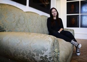 Maria Norén driver Kulturkossans vardagsrum på Stenegård i Järvsö och butiken Darkroom i Ljusdal. Nu blir hon även gallerist i Stockholm.