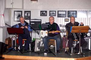 Butte, Rolf och Arne stod för musiken.
