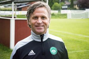Medskogsbrons tränare Jerry Nerén har stundtals haft en tunn trupp. Då blev Tommy Stenqvist en välkommen förstärkning.