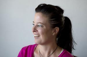 Anna Karlsson berättar hur hennes smärtor under en lång period aldrig blev tagna på allvar av sjukvården.