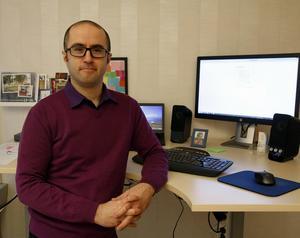 Peyman Vahedi, rektor på Ådalsskolan. Fotograf: Erik Åmell