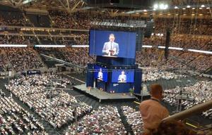 En religiös konferens som Jehovas vittnen arrangerade i Friends Arena 2015 lockade omkring 50 000 personer. I april nästa år väntar en ny sammankomst i Gävle. Bild: TT