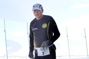 Stig Söderström, 74, från Falun gjorde sitt 819:e maratonlopp och klarade Svampenmaran på 6.14.40.