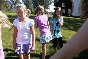 Barnen får leka mycket. Gunlög Rosén vill att de ska få ut något genom att vara med under barnens egen festival.