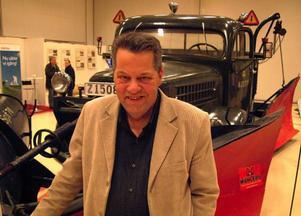 Göran Gabrielsson, Svenstavik, leder experimentet med socker och melass i vägsaltet på E 14.