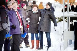 Carina Svahn och Linnea Sköld hade kul på första travbesöket.