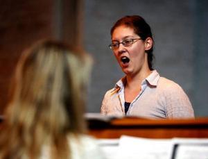 Susanne Francett uppträder i Riala kyrka den 27 juli. Arkivbild.