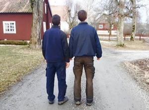 Säsongens kanske mest oväntade är det 37-åriga tvillingparet som ska söka efter kärleken i programmet tillsammans.