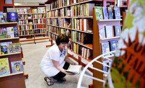 Framtidsfrågor. Kommunens bibliotek ska gå i bräschen för folkbildning men också hänga med i den tekniska utvecklingen. Biblioteksutredningen pekar på olika utvecklingsmöjligheter som bildningsnämnden har att ta ställning till. BILD: BIRGITTA SKOGLUND