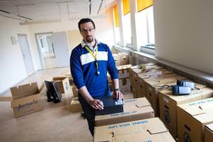 Enhetschefen Daniel Svensson arbetar en månad till i Sundsvall då verksamheten där läggs ner.
