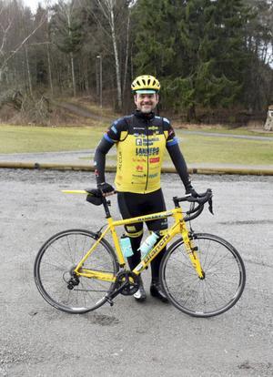 Mikael Dolve på ett av många träningspass. Den här lördagen blev det 8,5 mil.