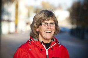 Maria Fredriksson, Kramfors:– Nej, det kommer jag inte. Jag är inte intresserad av fotboll men tror att Sverige vinner med 3-2.