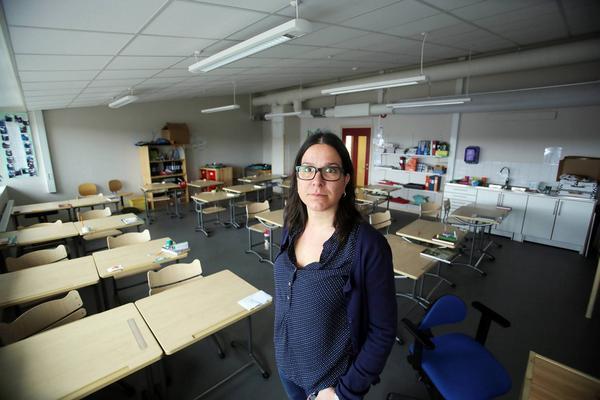 Vi undrar hur ansvariga i kommunen tänker lösa detta problem? Den 20 augusti vill vi kunna välkomna våra elever till en skola där alla har ett eget klassrum, säger Elin Ekblad och de övriga lärarna i Funäsdalen.