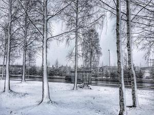 April: Bakslag. Montörvägen, Östersund.