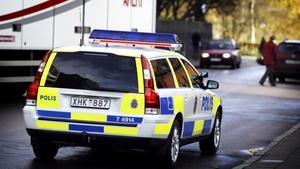 En kvinna har polisanmält att hon i fredags natt blev bestulen på sin mobiltelefon och sitt körkort på krogen i Fagersta.