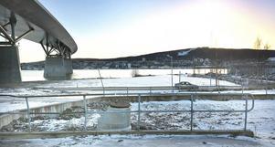 Här intill brofästet på norra sidan Sundsvallsbrok kommer en ny park att växa fram under två år.