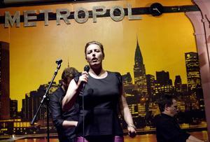 Hyllade danska jazzsångerskan Sinne Eeg sjöng på Metropol i Härnösand på onsdag kväll.