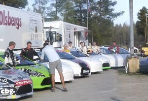 Nio förare kom med sina bilar till Strängnäs för att testköra.