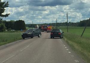 Vägen spärrades av.