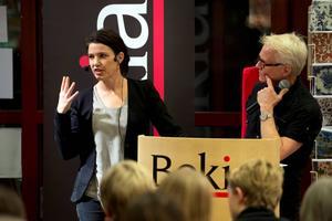 Kristina Sandberg besöker Bokens afton i sin hemstad Sundsvall och samtalar med Lennart Bergström hos Akademibokhandeln Vängåvan.