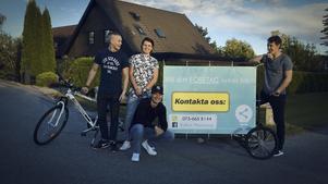 De fyra ungdomarna startade sitt företag under en kurs i Ung företagsamhet. Foto: Frida Nygren Foto: Privat
