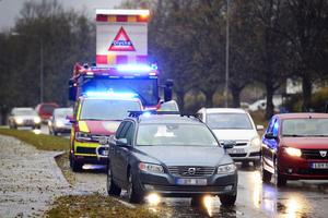 Flera bilar i trafikolycka på Bergsgatan.
