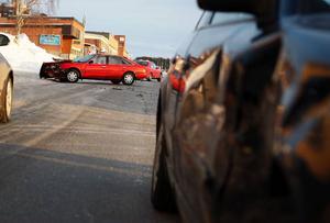 Östersund.Två personbilar krockade utanför Max på Bangårdsgatan strax före halv fem på onsdagseftermiddagen. Inga personskador har rapporterats.  Foto: Anna-Karin Pernevill