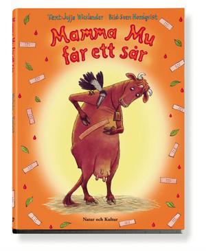 Mamma Mu tycks aldrig tappa i populäritet bland de yngsta bokslukarna, Mamma Mu får ett sår och Mamma Mu bygger koja av Jujja Wieslander ligger etta respektive tvåa på bilderbokstopplistan.