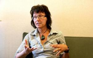 -- Det måste vara indiuviduella lösningar, säger Lisbeth Modin-Nilsson på skolhälsan om de barn som har funktionshinder. Hon säger också att det behövs mer specialpedagoger, för att garantera barnen särskilda stöd.FOTO: PER EKLUND