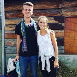 Simon Alzèn och Eveline Castillo Haglund åker tillbaka till Guatemala för att bygga en till skola.