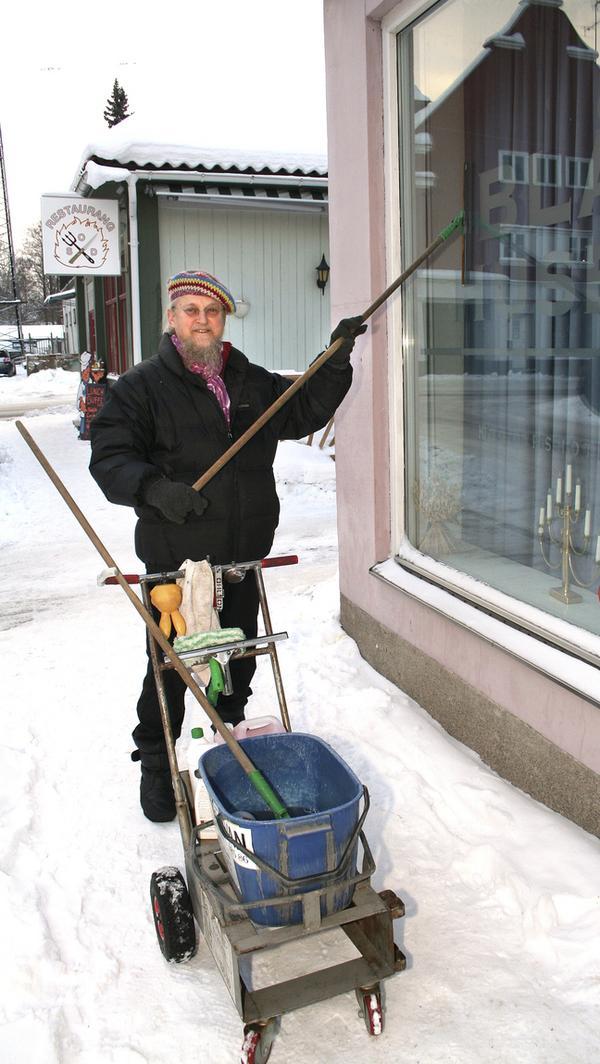 Putsar. Björn Lindmark som Salaborna är vana att se honom.