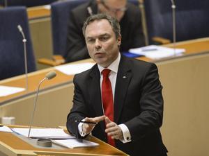 Kritiserad. Socialdemokraterna angriper Jan Björklund, när Folkpartiet samlas till riksmöte i Västerås.Foto: Scanpix,
