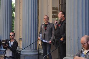 Anders Sundin och Peter Alzén guidade publiken genom Gävles rock- och musikhistoria.