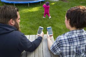 Genom våra smartphones kan stöd och peppning finnas kring motion och hälsa.