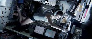 Sandra Bullock spelar forskaren och rymdnovisen Ryan Stone i den mycket spännande rymdthrillern