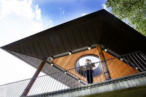 Arkitekt utan gränser. Katrin gillar Konserthuset som sticker ut. I sommar åker hon på uppdrag till Uganda.