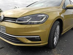 Fronten har fått ny design, men det är svårt att se någon skillnad jämfört med nuvarande modell. Kromlist, större luftinsläpp och radarcensorn gömd under VW-loggan, kan vi avslöja.