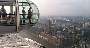 Vy över Big Ben och parlamentet från London Eye.