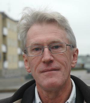 Gunnar Larsson (FP) ställer frågor om beredskap mot radikalisering.