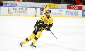 Förra säsongen blev det 15 poäng, varav sex mål, för Niklas Lihagen i Västerås.