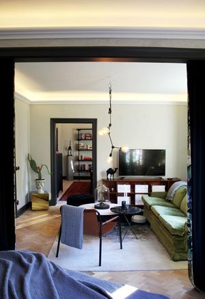 Den gröna soffan köpte Julia på Blocket för 2000 kronor.