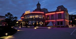 Det var här, på Casino Cosmopol i Sundsvall, som Thomas Bergström och Kjell Lomarker från Ludvika, hamnade i problem.