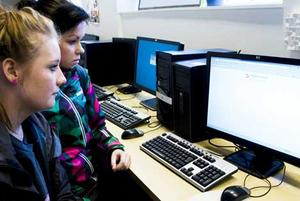Eleverna på Infokomp-gymnasiet har bannlysts från Facebook. Men lärarna kan surfa fritt. Foto: CAROLINE KVICK