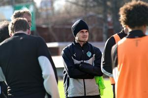 Johan Persson ledde Brage mot AIK i väntan på att nye tränaren Klebér Saarenpää ska ta över i januari.Foto: Kjell Jansson